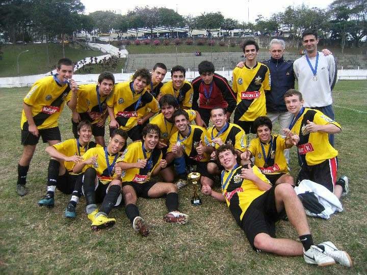 Brezilya'da ilk kupa… Colégio Pentágono Okul Takımı
